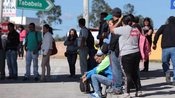La suspensión del servicio de transporte se registra en las parroquias de Tumbaco, El Quinche, Cumbayá, Guayllabamba y Tababela, de acuerdo a reportes de los usuarios. Foto: Alfredo Lagla / EL COMERCIO