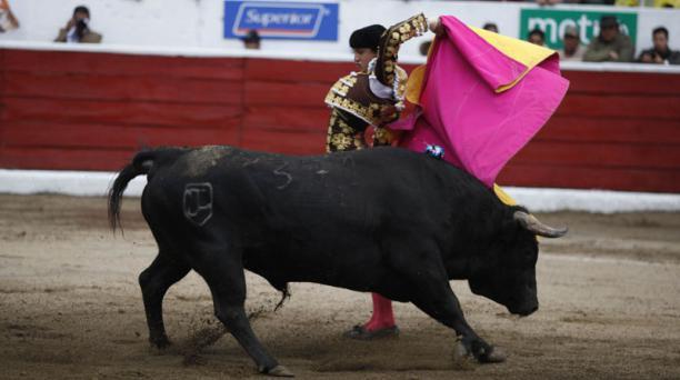Corrida de toros en la plaza de toros de San Isidro Labrador de Latacunga. Torero Roca Rey. Segundo de la tarde, Ganadería Triana, toro Tradición peso 546 kg. Foto: Galo Paguay/EL COMERCIO