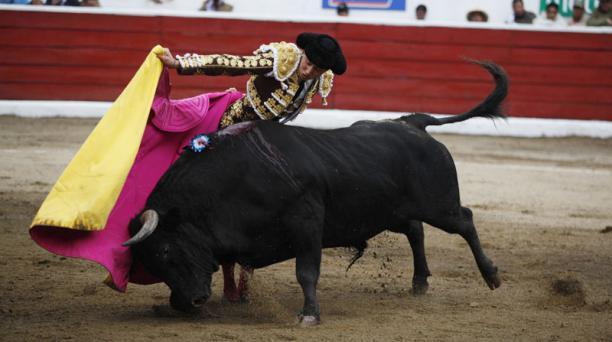 Corrida de toros en la plaza de toros de San Isidro Labrador de Latacunga. Torero Roca Rey. Segundo de al tarde, toro Tradición peso 546 kg. de la Ganadería Triana. Foto: Galo Paguay/EL COMERCIO