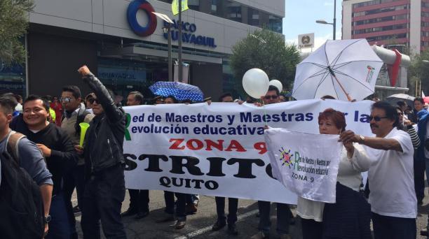 La Red de Maestros realiza manifestación a favor de AP