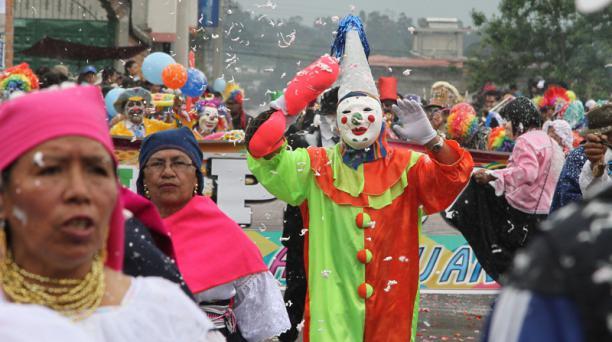 Desfile del Corso de Flores y Serpentinas en Amaguaña. Foto: Eduardo Terán/ EL COMERCIO