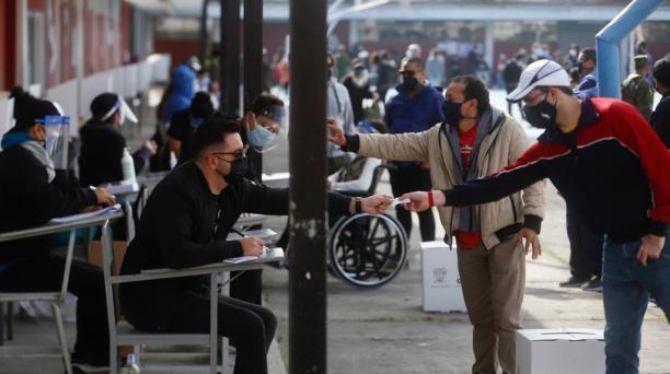 La jornada electoral concluirá a las 17h00 de este domingo 11 de abril del 2021. Foto: Diego Pallero / El Comercio