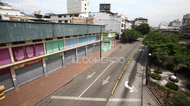 Imágenes de Guayaquil en el primer día del confinamiento, el sábado 24 de abril del 2021. Foto: Enrique Pesantes/ EL COMERCIO
