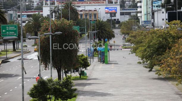 Bulevar de la avenida Naciones Unidas, norte de Quito, el 24 de abril del 2021. Foto: Julio Estrella/ EL COMERCIO