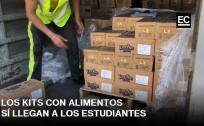 Profesores entregan en colegios y escuelas los kits de alimentos para los estudiantes